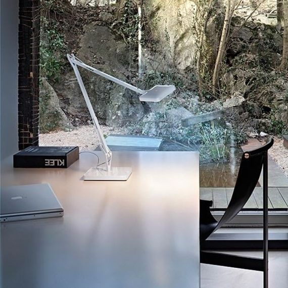 Flos :: Lampa biurkowa Kelvin LED Desk support (Visible cable) Shiny white